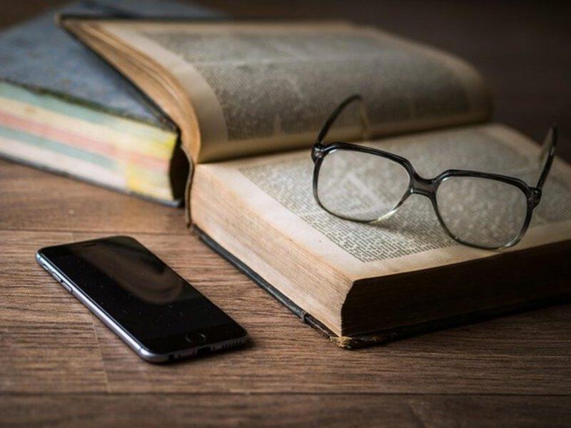 Wada wzroku – okulary czy soczewki?
