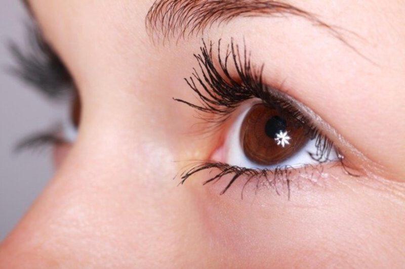 Jak prawidłowo zakraplać oczy?