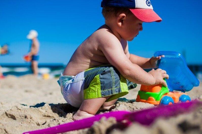 Jak chronić dziecko przed promieniami UV?